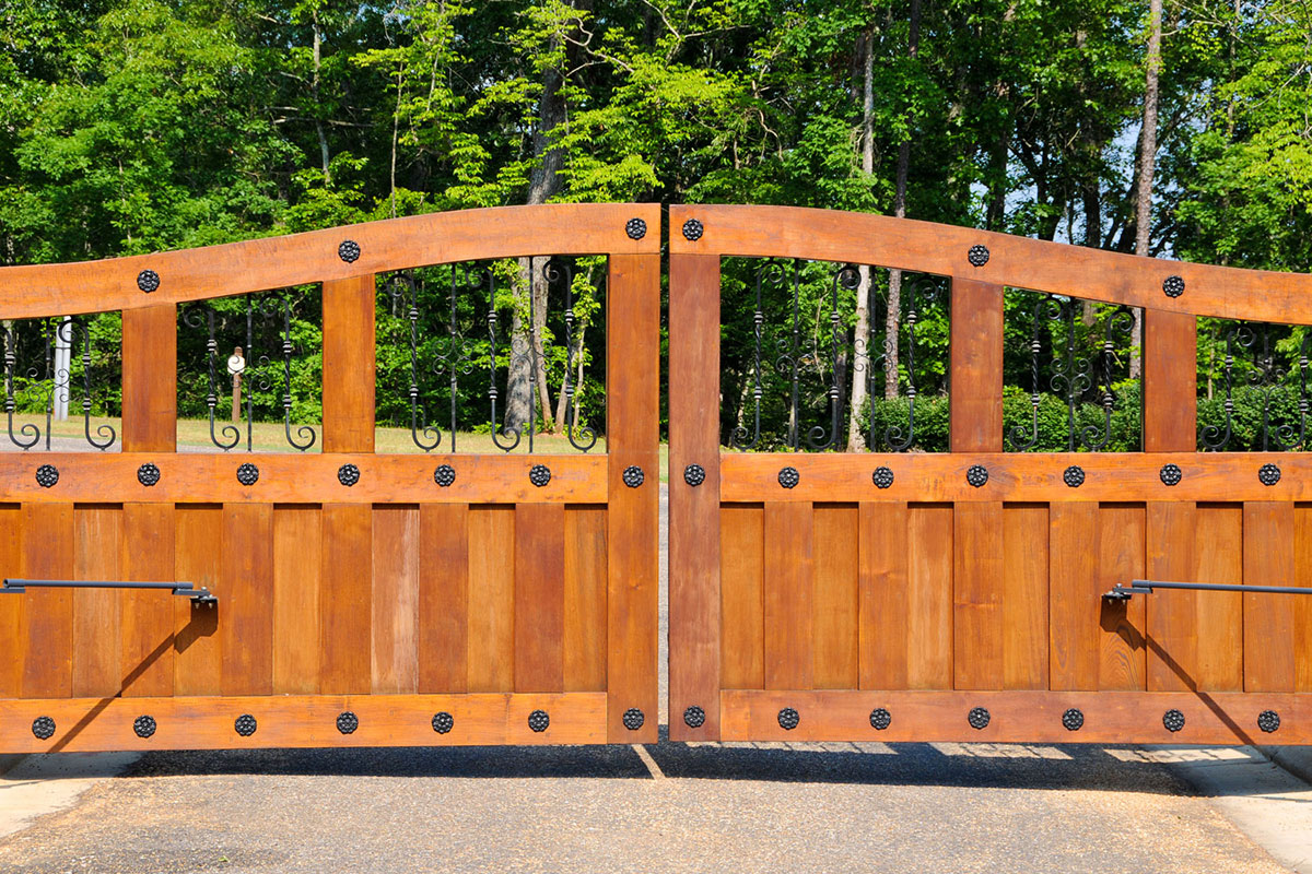 Gate repair service throughout the entire Detroit, Michigan area.